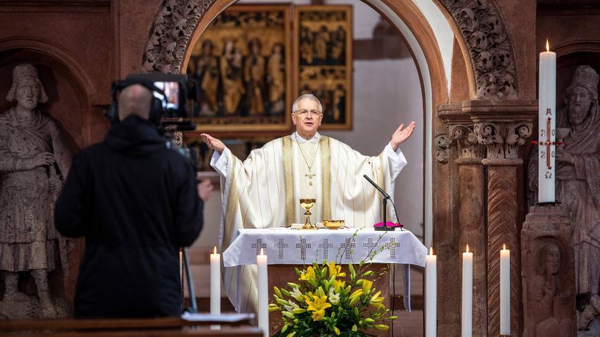 Auch bei Gottesdiensten deutete Söder eine Lockerung an. Ab 3. Mai seien Treffen von Glaubensgemeinschaften unter strengen Auflagen vorstellbar. Die Lockerungen sollen für alle Glaubensgemeinschaften gelten