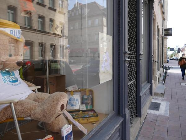 Neues Schaufenster: Der Verein Bluepingu hat die Räume des früheren Kioski-Plattenladens bezogen.