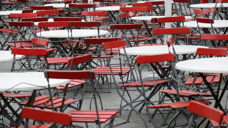 Leere Stühle, kaum Umsätze: Die Gastronomen leiden massiv unter der Corona-Krise.