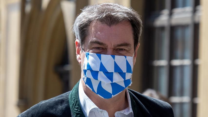 Als bayerischer Ministerpräsident trägt Markus Söder Weiß-Blau.