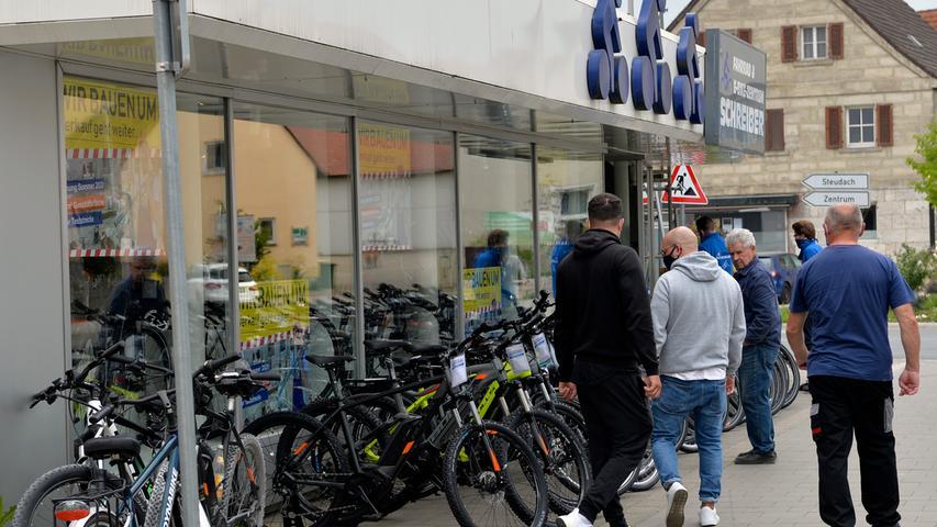 Corona-Shutdown, Tag 42: Fahrradgeschäfte dürfen jetzt wieder verkaufen, wenn auch nur unter Beachtung der üblichen Vorschriften. Die Nachfrage ist aber da.