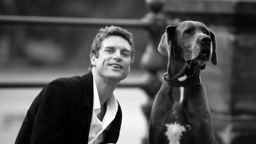 Schauspieler Ron Holzschuh ist am Montag im Alter von nur 50 Jahren in Mülsen gestorben, wie sein Management mitteilte. Er wurde vor allem durch Fernseserien wie