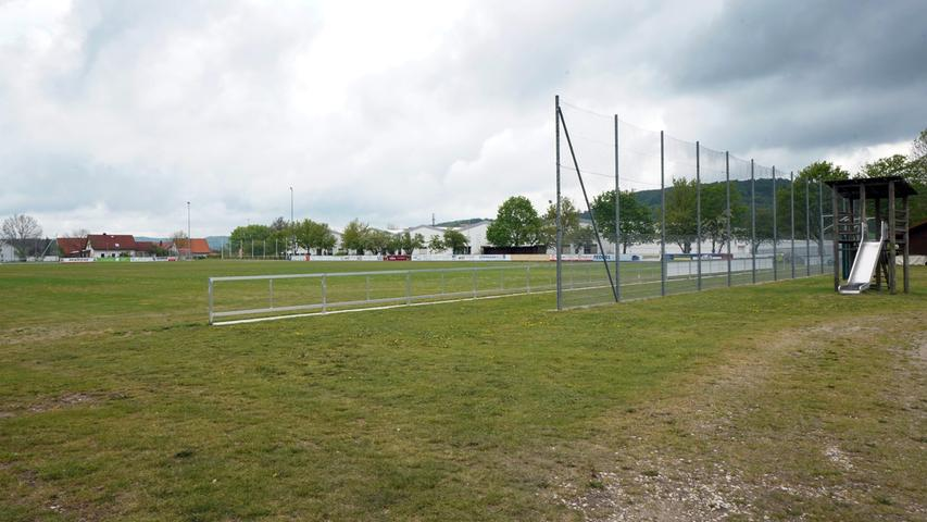Als eine der wenigen Handball-Bastionen des Landkreises, vereint die siebtplatzierte DJK-SV Berg mit 1088 Köpfen vor allem die ballorientierten Mannschaftssportarten unter seinem Dach.