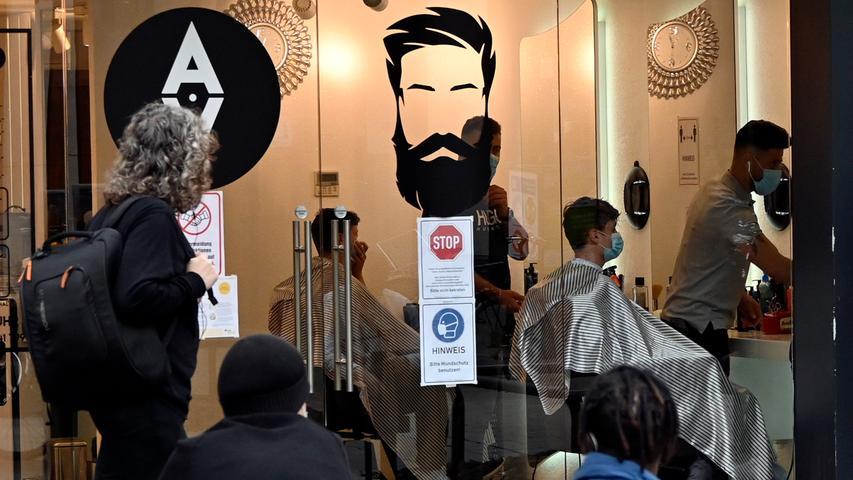 Corona-Shutdown, Tag 48: Friseursalons dürfen unter Beachtung von Sicherheits- und Hygienevorschriften wieder öffnen.