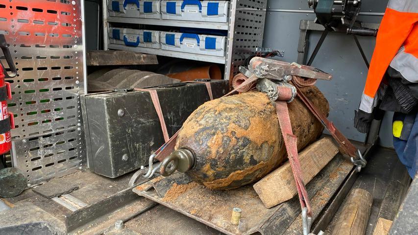 Am 4. Mai 2020 fanden Bauarbeiter auf einem Areal an der Brunecker Straße in Nürnberg eine amerikanische Fliegerbombe. Sprengmeister Michael Weiß konnte den 121 Kilogramm schweren Koloss nach etwa einer Dreiviertelstunde erfolgreich entschärfen. Es handelte sich um einen manipulierten Blindgänger. Beim Heckzünder fehlte die Übertragungsladung, die die Bombe normalerweise entzündet.