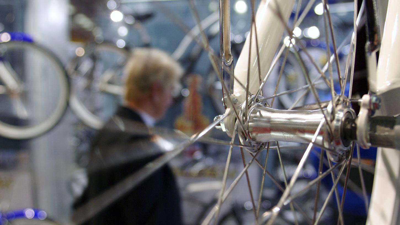 Seit die Fahrradgeschäfte wieder aufsperren dürfen, können sich die meisten vor Kunden kaum retten. Teilweise muss man deshalb etwas Geduld mitbringen.