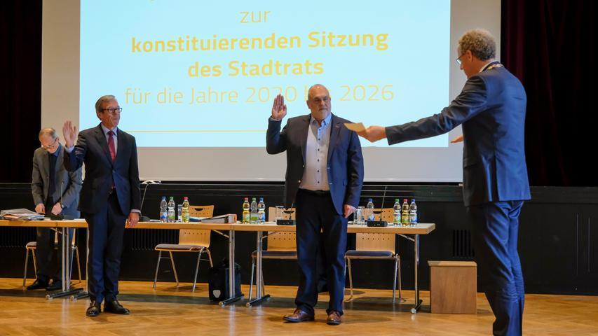 Herzogenaurach 07.05.20 Ressort: Lokales ..Foto: Günter Distler; Vereinsheim, Konstituiernde Sitzung des Stadtrats; Vereidigung des 2. und 3. Bürgermeisters