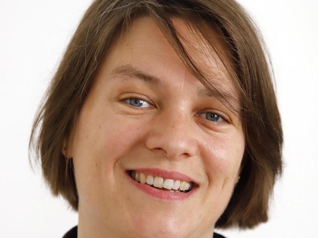 Elisabeth Ries weist auf die Regelung in Heimen hin.