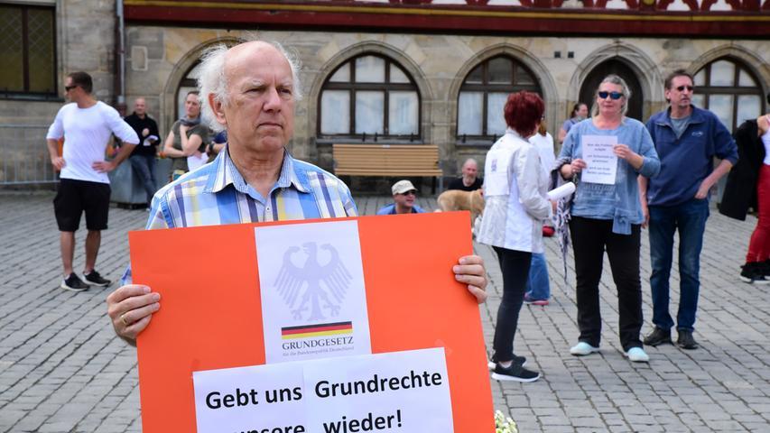 Nur wenig Andrang: Demo gegen Corona-Maßnahmen in Forchheim