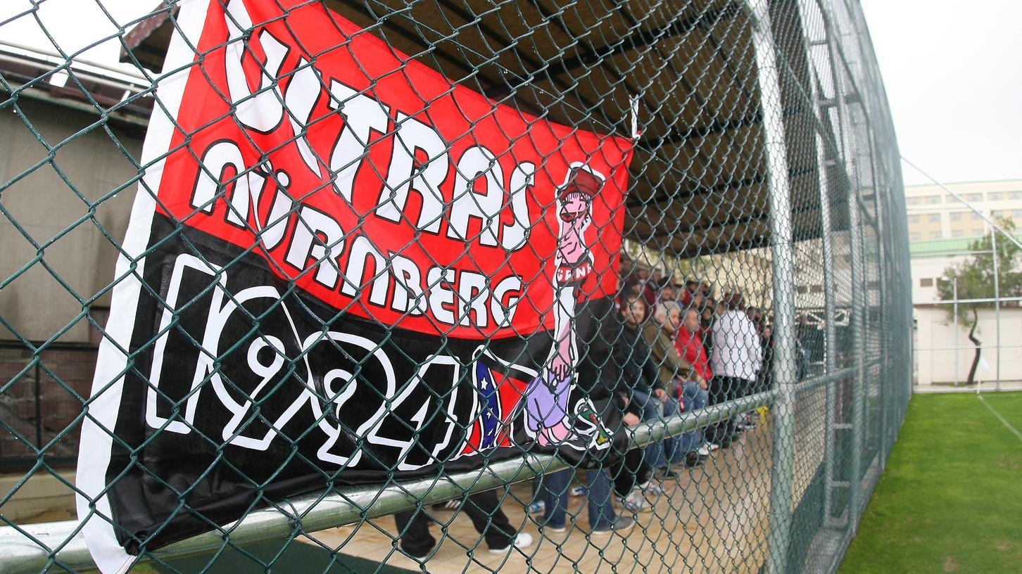 Ausgeschlossen, aber auch kein Interesse: Die Club-Ultras sind gegen die Fortsetzung des Liga-Betriebs in Form von Geisterspielen.