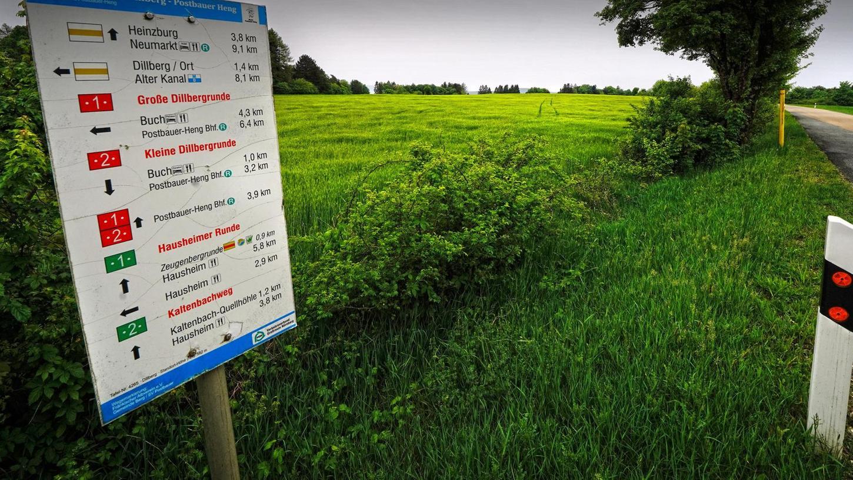 Der Dillberg ist ein beliebtes Ziel für Wanderer und Erholungssuchende. Auf diesem zehn Hektar großen Areal vor der Ortschaft hätte ein Bio-Bauernhof entstehen sollen. Die Untere Naturschutzbehörde hat das Vorhaben nun abgelehnt, weil es nicht in das Landschaftsbild passt.