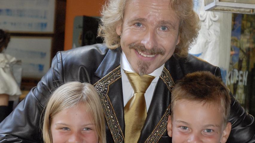 Thomas Gottschalk, einer der bekanntesten Franken, feiert in diesen Tagen seinen 70. Geburtstag. Nicht nur seiner Heimatstadt Kulmbach stattete der Entertainer immer wieder Besuche ab, auch im Pflaums Posthotel in Pegnitz war er regelmäßig zu Gast, nicht nur zu den Bayreuther Festspielen. Dabei stand er bereitwillig Rede und Antwort, nicht nur dem NN-Redakteur Thomas Knauber gegenüber, sondern auch Jugendlichen und Fans aus der Stadt.