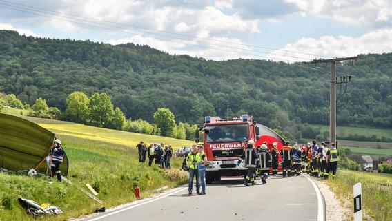 Schwerer Unfall im Nürnberger Land: Motorradfahrer verstirbt