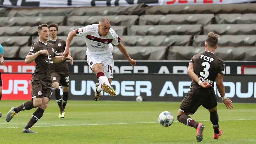 Im Anschluss probiert der Club nochmal alles und hat duch Michael Frey die letzte Chance der Partie, doch auch der Schweizer bringt den Ball nicht im Tor unter.