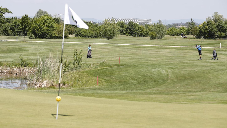 Sie dürfen wieder aufs Grün: Für die Mitglieder des Golfclub Herzogenaurach ist die Corona-Zwangspause seit einer Woche vorbei.