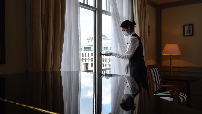 Wandern und danach irgendwo übernachten? Das geht wieder: Seit dem 30. Mai öffnen Pensionen, Ferienhäuser und Hotels wieder die Pforten.