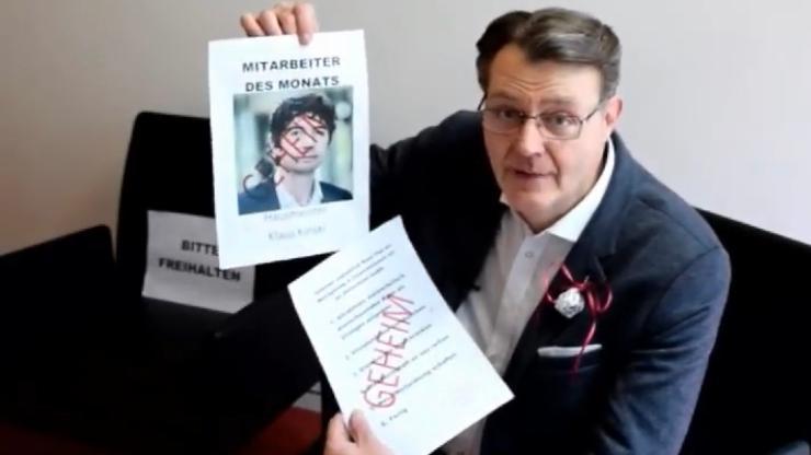 In seinem Video erklärt Michael Frieser, dass es den Virologen Christian Drosten, Berater der Bundesregierung, angeblich gar nicht gebe. Es handle sich bei dem Mann in Wahrheit um