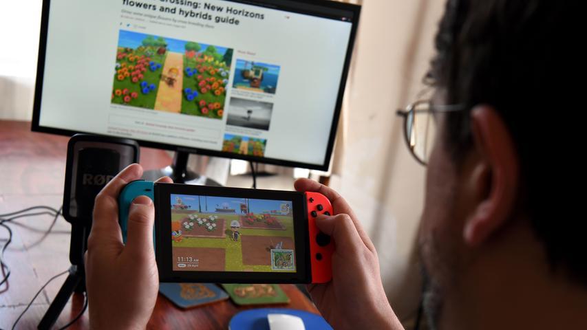Das mobile Gaming verlagert sich indes immer mehr auf die Smartphones. Die PlayStation Vita, die 2011 als Nachfolger der PSP auf den Markt kommt, setzt
