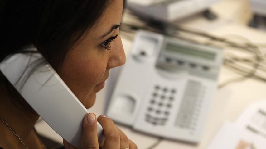 Tausende von Anfragen: Hotline von bayerischer Behörde bricht zusammen - Bürger verunsichert