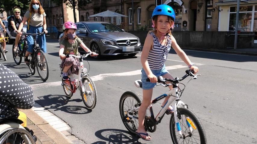 Mehr Mobilität: Fahrraddemo für temporäre Radwege in Nürnberg