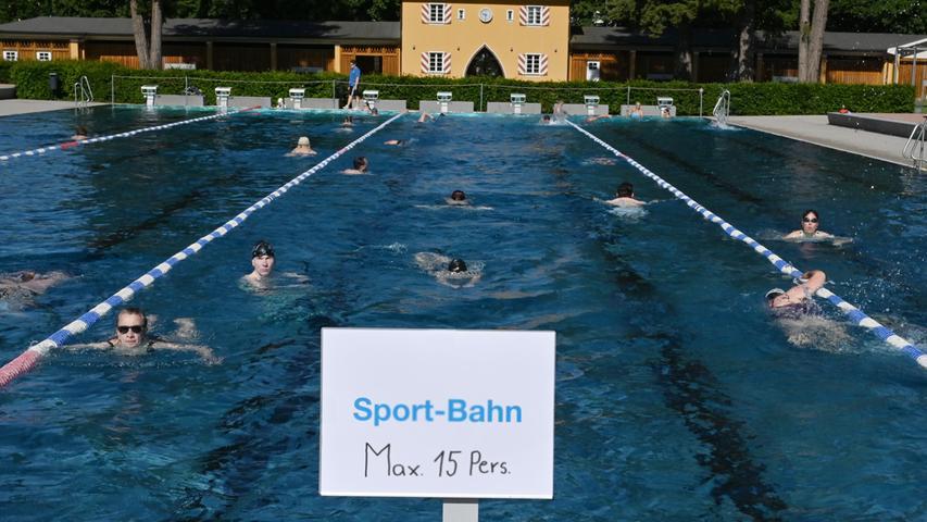Online-Anmeldung, Mundschutz, Schwimmen nur im Uhrzeigersinn: Im Sommer 2020 hat der Freibadbesuch nicht viel mit dem zu tun, was wir gewohnt waren. So ist die Situation im Röthelheimbad.