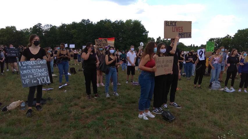 Gegen Rassismus und Unterdrückung: Demo am Marienberg