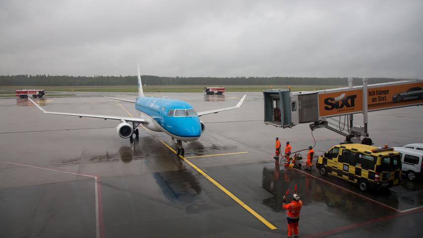 Airport Nürnberg nach Corona-Lockdown: Erste Passagiermaschine landet