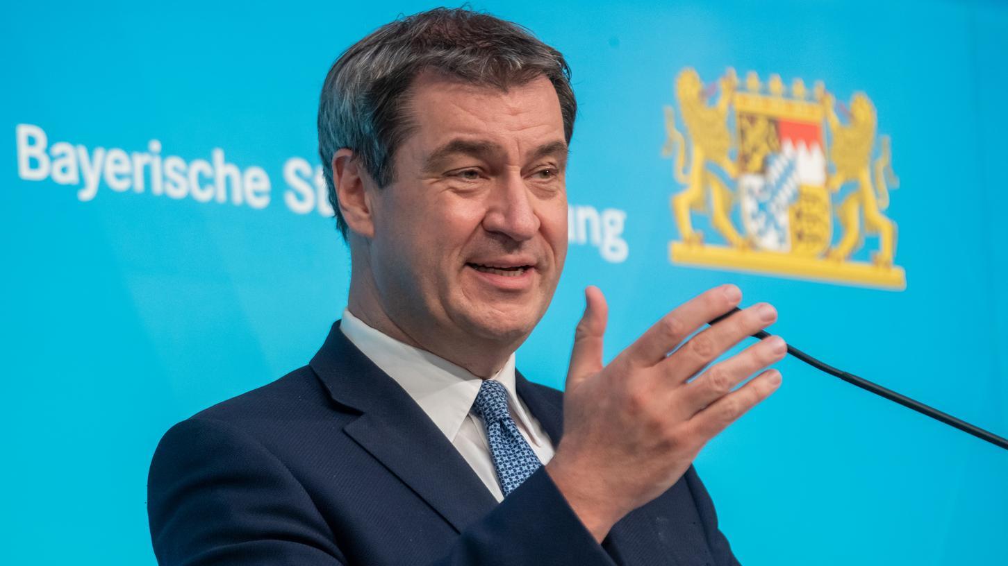 Bei der Pressekonferenz am Dienstag sprach Markus Söder, Wirtschaftsminister Hubert Aiwanger und Staatsminister Dr. Florian Herrmann.