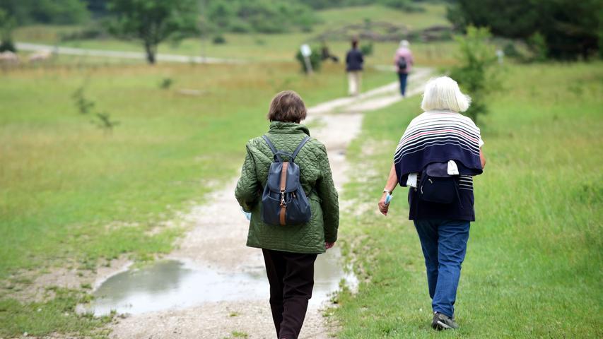 Der überwiegende Teil der Wanderer und Spaziergänger weiß aber durchaus, wie man sich richtig verhält.