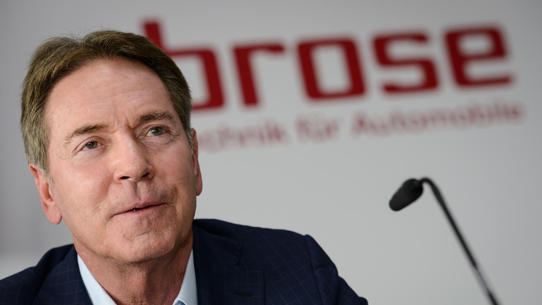 Bambergs Aufsichtsratvorsitzender Michael Stoschek präsentiert zwei junge Akteure auf den beiden bedeutendsten Positionen im Verein - und verspürt eine Aufbruchstimmung.