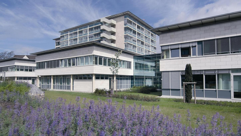 Wer wird im Oktober neuer Vorstand des Klinikums Neumarkt? Diese Frage wird voraussichtlich erst bei einer Sitzung der Kooperationspartner – des Landkreises Neumarkt und der Sozialstiftung Bamberg – abschließend geklärt.