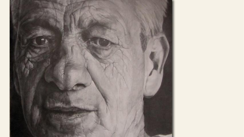 geb. 1956 in Münchingen lebt in Nürnberg Heinz (2018) 100 x 100 cm Bleistift auf Papier erstmals im Wettbewerb vertreten  Ebenfalls gezeigt Eine Fliege (2019) 105 x 80 cm Buntstift auf Papier