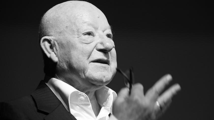 Er war ein Theatermann, aber bekannt wurde er durch das Fernsehen: Jürgen Holtz (Jahrgang 1932) spielte in den 1990er Jahren den