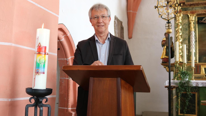 Freut sich über die unbefristete Verlängerung seines Vertrags: Valdir Weber, seit 2015 Pfarrer der Tiefgrundpfarrei.