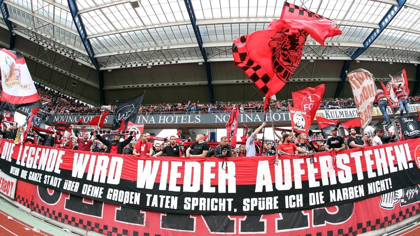 """Unverwüstlich: Die Fans des 1. FC Nürnberg stehen auch in den tiefsten Krisen fest zu ihrem """"Club""""."""