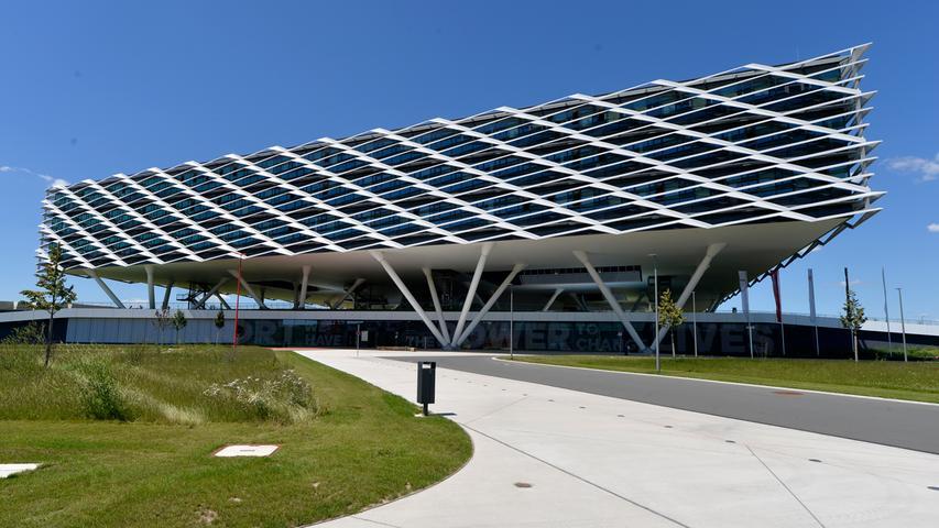 Architektur wie von einem anderen Stern: adidas World of Sports in Herzogenaurach von LOLA Landscape Architects.