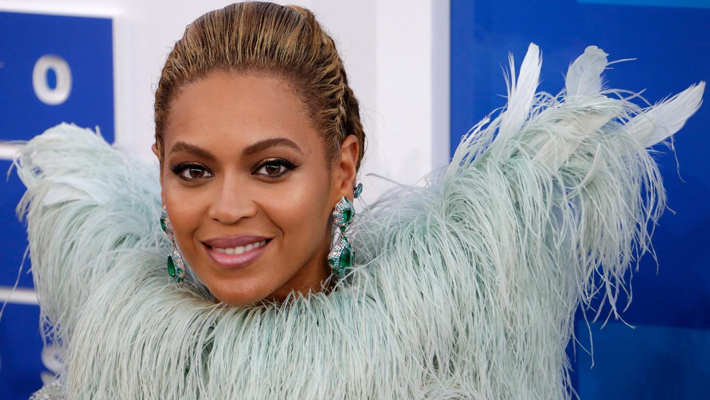 Die Sängerin erhielt eine Auszeichnung für humanitäres Engagement.