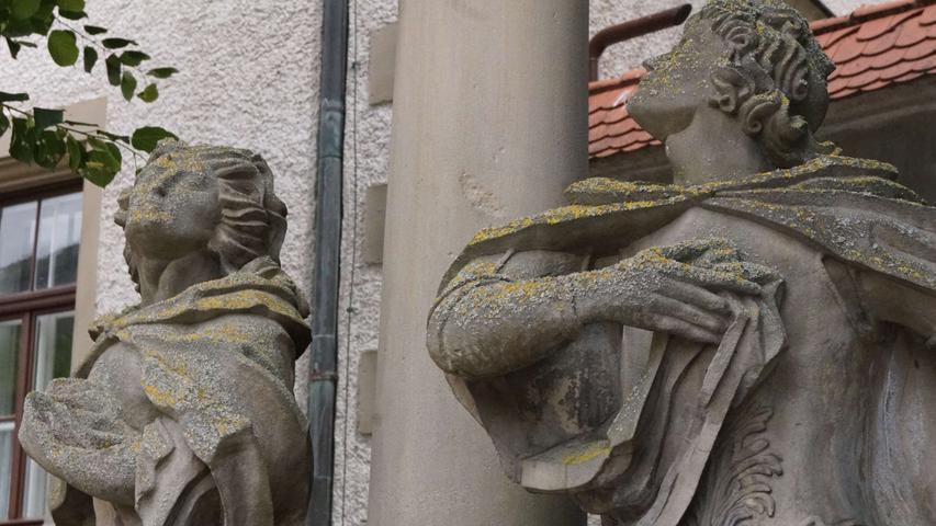 ; ; Skulptur MariaImmaculata am Oberen Torplatz ist Auerbach. Foto: Brigitte Grüner
