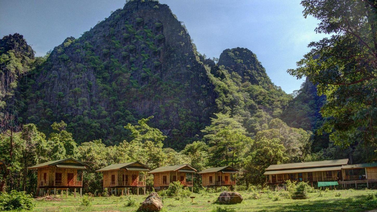 """Mit dem Klettercamp """"Green Climbers Home"""" haben sich die Weidners in Laos einen Traum erfüllt. Es brannte zweimal (teilweise) ab."""