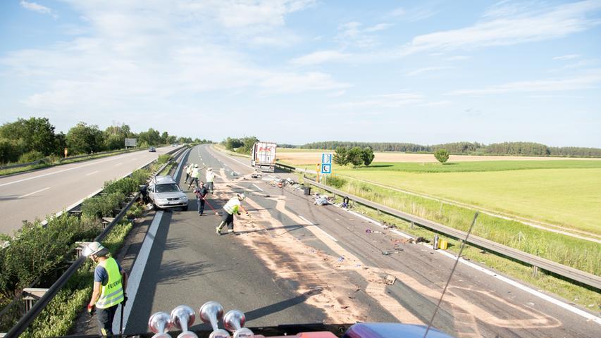 Auffahrunfall am Stauende: Elf Verletzte auf A6 bei Ansbach