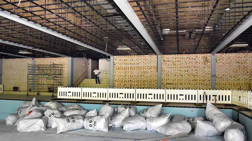 Baustellenbesuch im Spardorfer Hallenbad