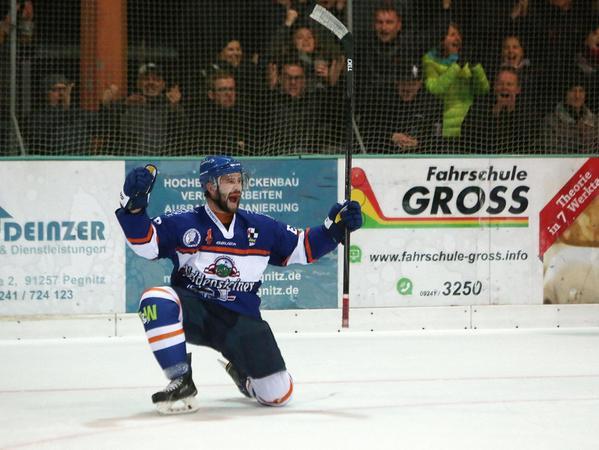 Christof Mendel würde gerne noch für die Ice Dogs spielen, kann aber nicht mehr: Das Knie lässt kein Eishockey mehr zu.