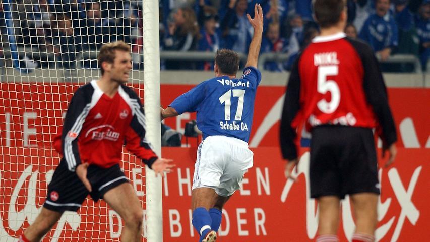 Verdammt! 2002 führte Nürnberg auf Schalke bis zur Schlussminute mit 1:0, dann traf der Belgier Sven Vermant zum Ausgleich.