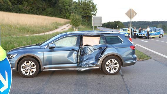 Unfall bei Lichtenau: Motorradfahrer stirbt - Sohn wird verletzt