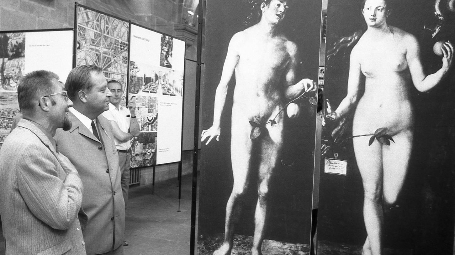 Bei Adam und Eva von Albrecht Dürer beginnt die Ausstellung