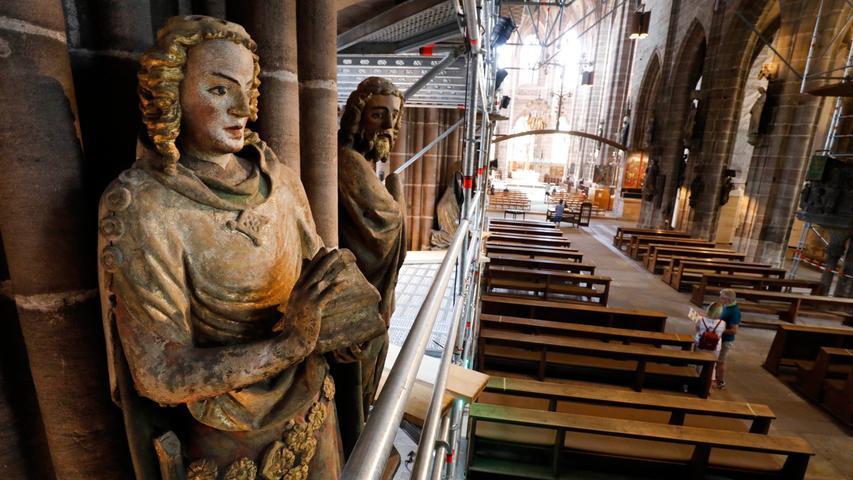 Der erste Bauabschnitt soll im Herbst abgeschlossen sein. Dann wird das aufwendige Gerüst komplett abgebaut und an anderer Stelle wieder aufgebaut...