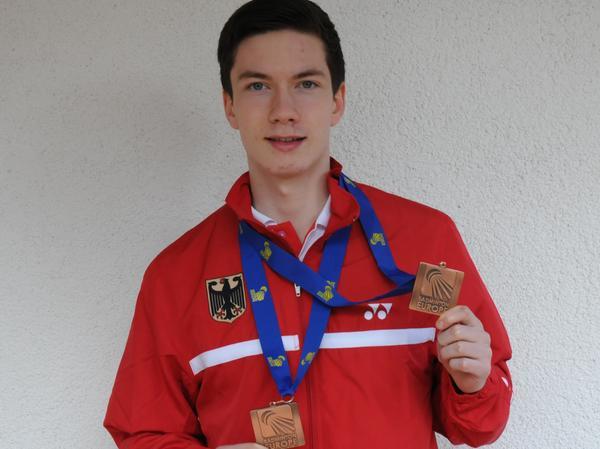 Der gebürtige Rother krönte seine früh auch international bestrittene Junioren-Laufbahn mit zwei Bronzemedaillen bei der U19-EM 2013 in Ankara.