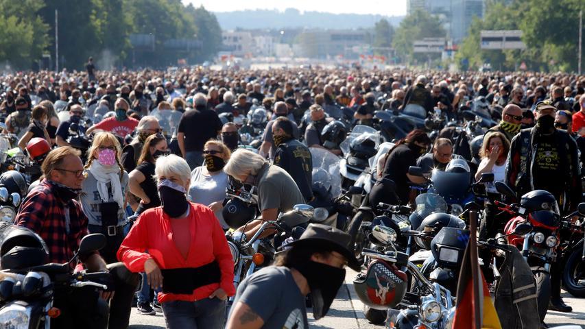 Demo gegen Fahrverbote: 6000 Motorräder rollen durch Nürnberg