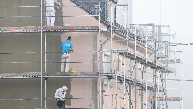 Wenn Sanierungen gleichzeitig den Wohnwert erhöhen, darf der Vermieter seine Mieter an den Kosten beteiligen.