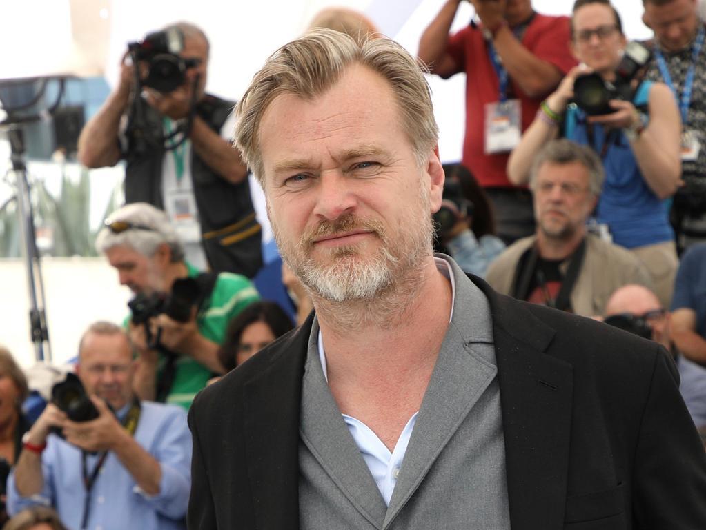 ARCHIV - 12.05.2018, Frankreich, Cannes: Regisseur Christopher Nolan stellt den Film «2001: A Space Odyssey» bei einem Photocall auf dem 71. Filmfestival von Cannes vor. Der Kino-Start von Christopher Nolans («Dunkirk») Action-Thriller «Tenet» ist ein weiteres Mal verschoben worden. (zu dpa: «Nolans Action-Thriller «Tenet» wieder verschoben») Foto: Arthur Mola/Invision/AP/dpa +++ dpa-Bildfunk +++